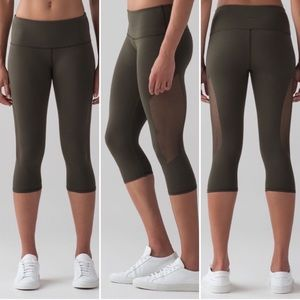 Lululemon reveal crop leggings dark olive W6HGPS